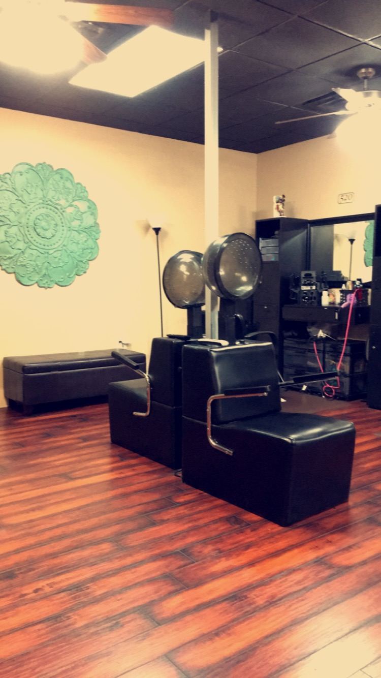 salons for rent at Salon and Spa Galleria Grapevine TX