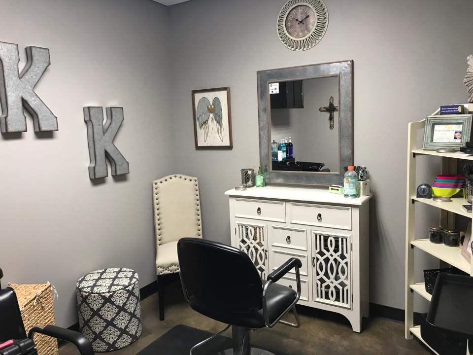 Rent salon room from Salon & Spa Galleria in Fort Worth