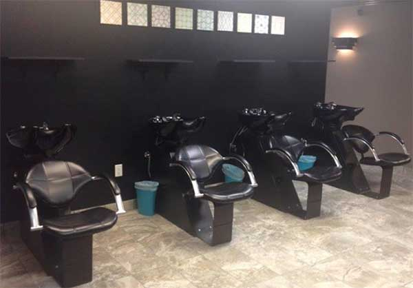 Salon booth rental prices are not expensive