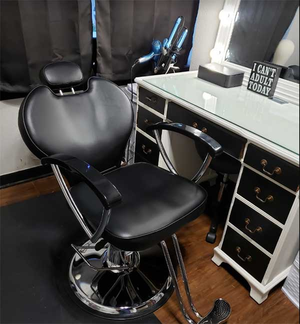 What will it cost you for a salon suite lease? We answer that question here.